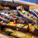chinese-eggplant-stirfry-with-spicy-garlic-sauce-recipe-0504-640x426